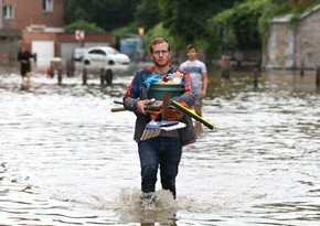 Death toll in US flash floods climbs to 5