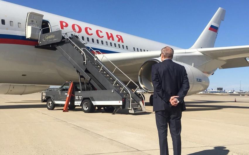 Amerikadan çıxarılan ilk rusiyalı diplomat qrupu Vaşinqtonu tərk edib