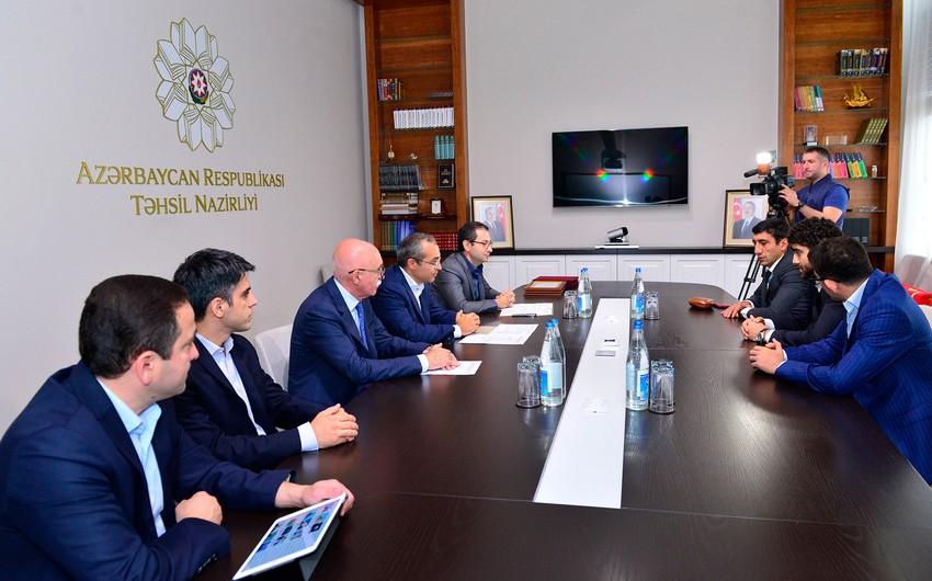"""Mikayıl Cabbarov """"Rio-2016""""da medal qazanmış idmançılarla görüşüb"""