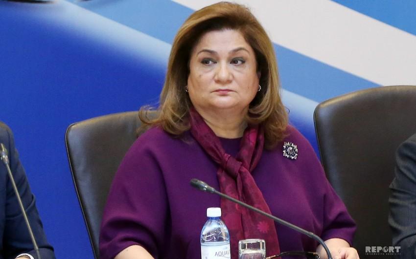 Хиджран Гусейнова приостановила деятельность на посту председателя Госкомитета