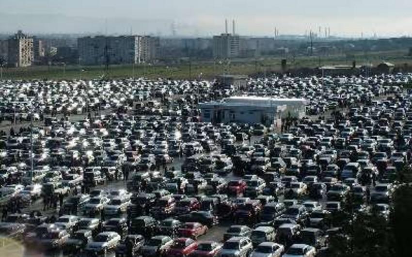 Azərbaycana avtomobillərin idxalı azalıb