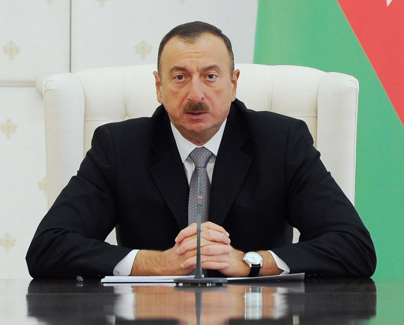 Президент Ильхам Алиев поздравил новоизбранного президента Албании