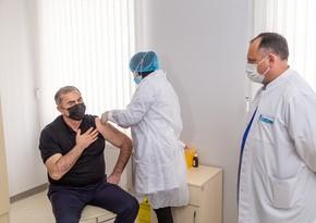 Salyanda COVID-19 vaksininin 2-ci dozası vurulur