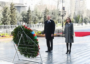 Ilham Aliyev visits 'Mother's Cry' monument