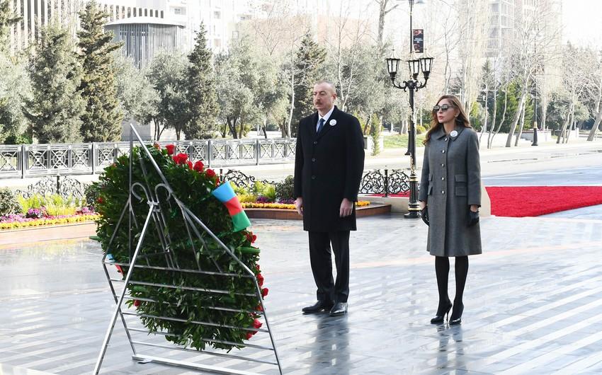 """Prezident İlham Əliyev """"Ana harayı"""" abidəsini ziyarət edib - YENİLƏNİB"""