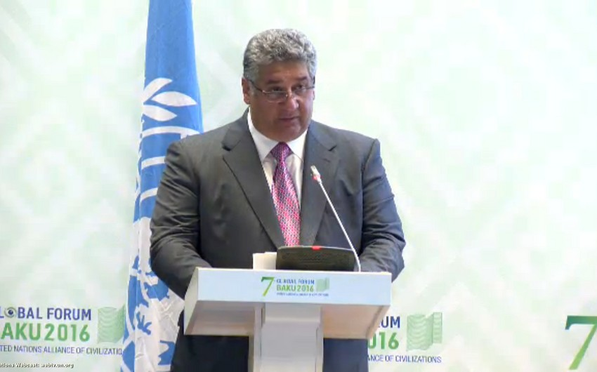 Azad Rəhimov: Azərbaycan gənclərə investisiya yatırılmasında maraqlıdır