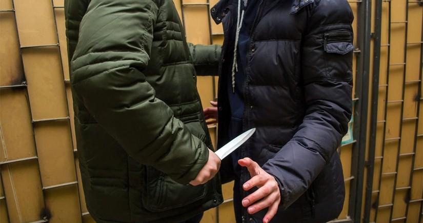 Hacıqabulda 23 yaşlı gənc bıçaqlanıb