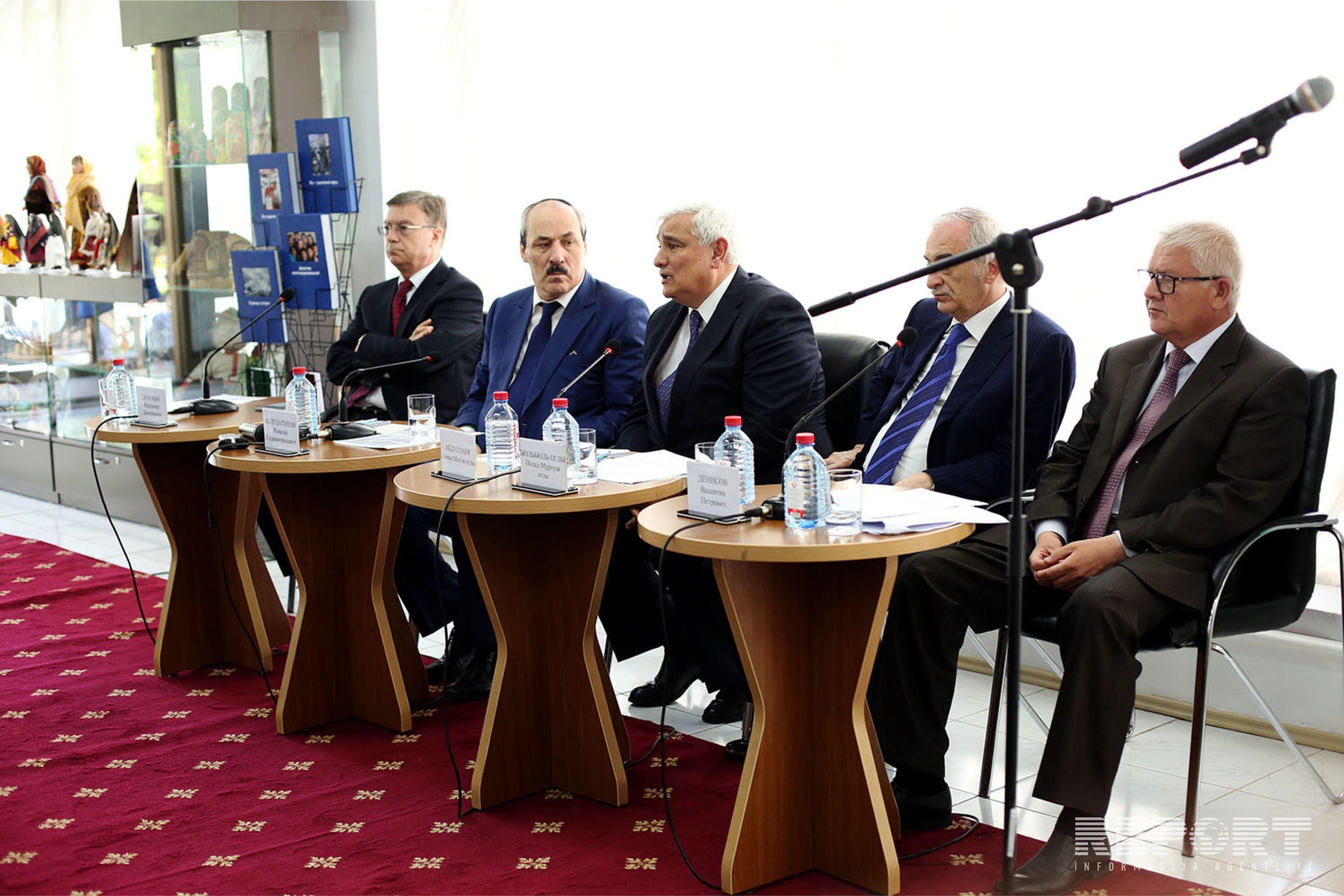 Рамазан Абдулатипов предложил создать Центр дагестанской культуры в Баку