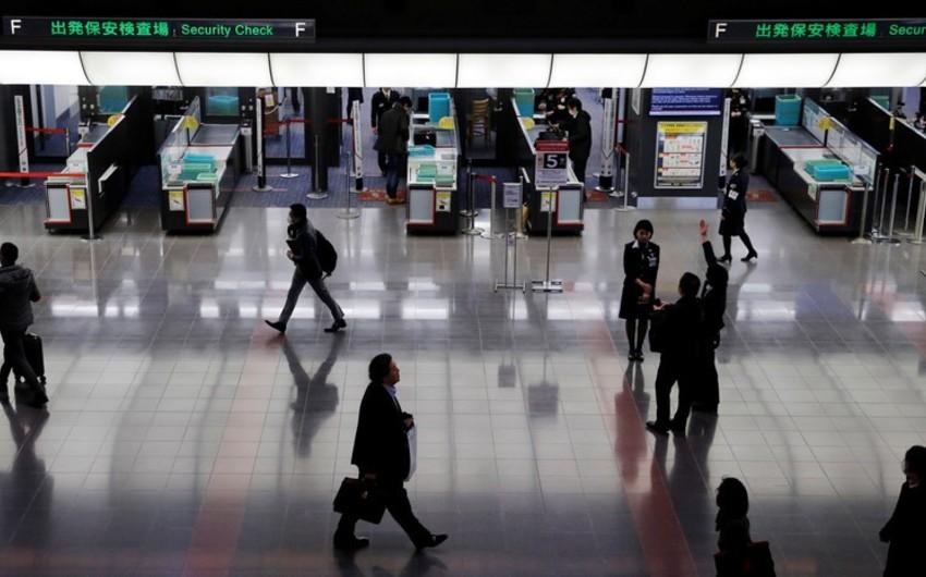 In Japan, 412 regional flights were canceled due to typhoon Tapa