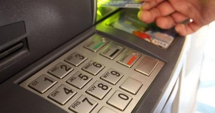Стало известно, что надо делать, если банкомат не возвращает карту