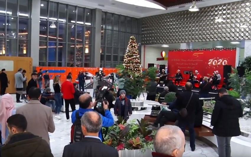 Bakı Dəmiryol Vağzalında konsert proqramı təşkil olunub - VİDEO
