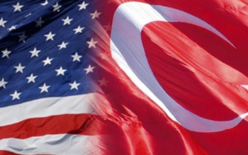 Türkiyə və ABŞ müdafiə sənayesi sahəsində əməkdaşlıq məsələlərini müzakirə edib