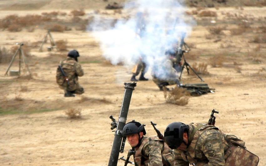 Azərbaycan Ordusunun minaatan batareyaları döyüş atışları icra edir