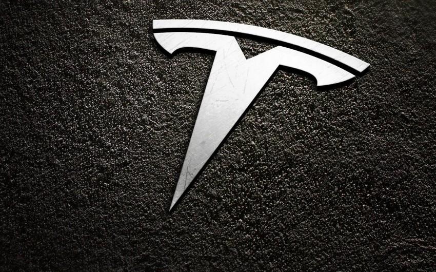 """""""Tesla"""" bazar dəyərinə görə """"Facebook""""u geridə qoyub"""
