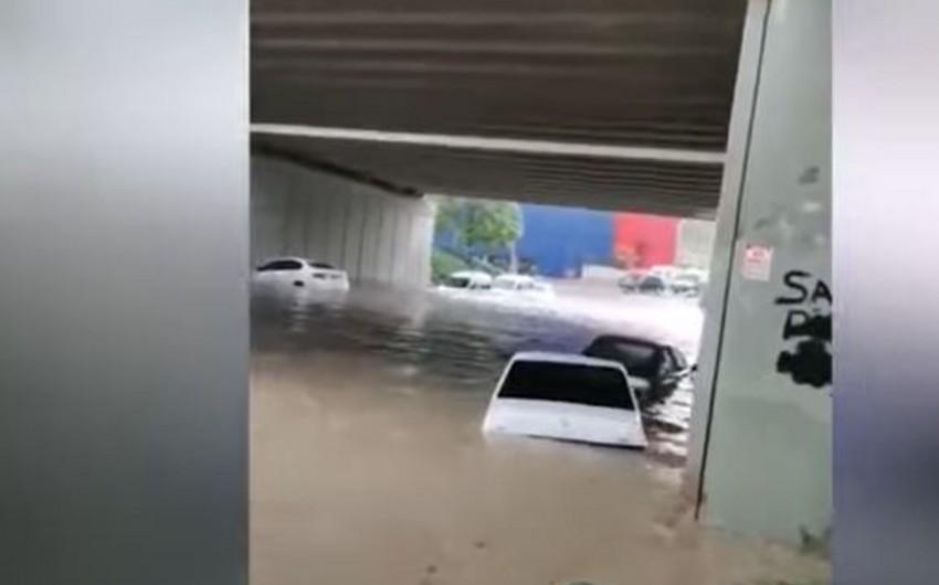 Ankaranı su basıb - VİDEO