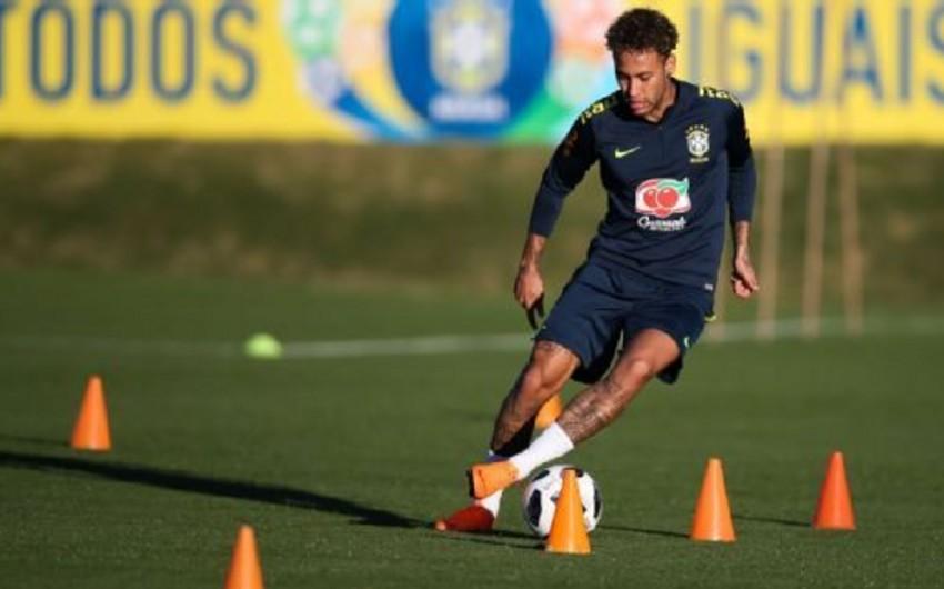 Neymar Braziliya milli komandasında məşqlərə başlayıb