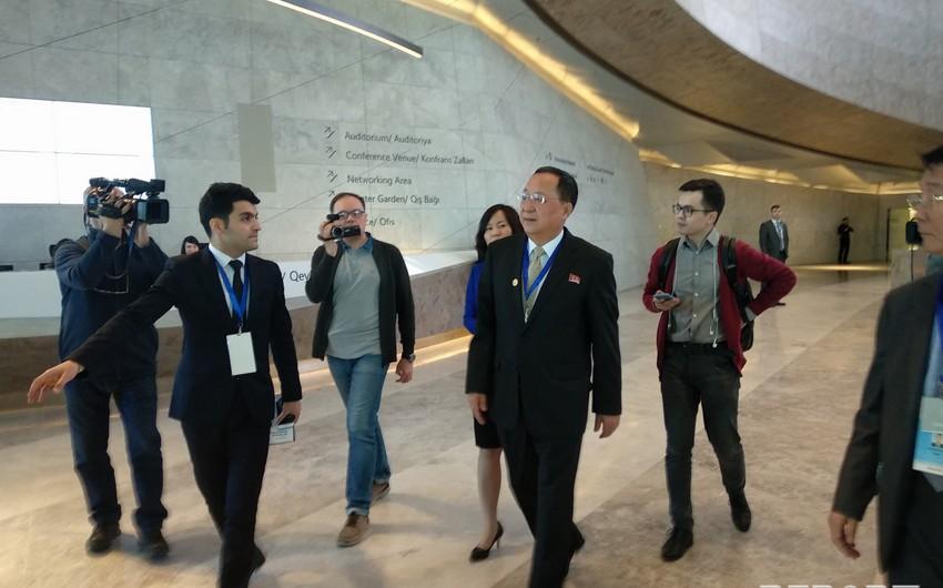 Глава МИД Северной Кореи принимает участие на конференции Движения неприсоединения в Баку - ФОТО