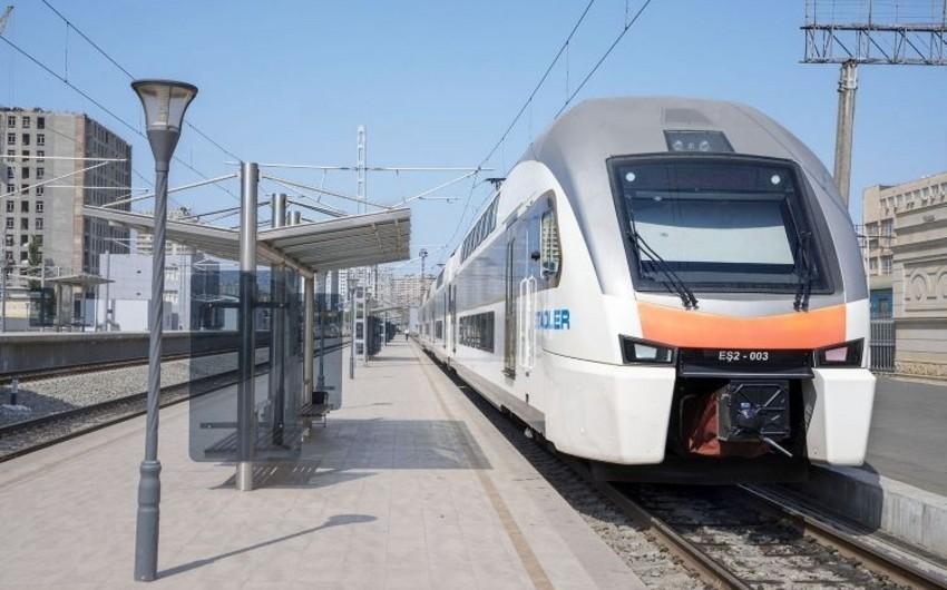 Cavid Qurbanov: Güzdək-Sahil yolunun yerüstü metro kimi istifadəsi nəzərdən keçirilir