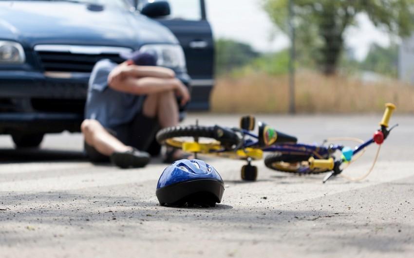 На Абшероне пострадал велосипедист, въехавший в автомобиль