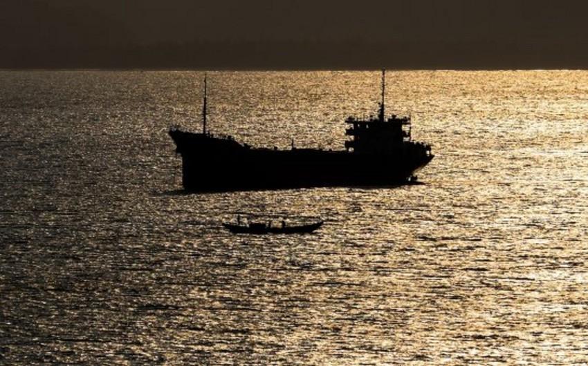 Əfqanıstanda neft tankerində baş verən partlayışda 2 nəfər ölüb