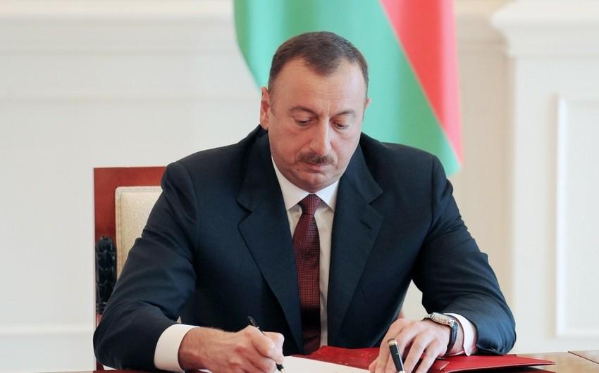 Президент Азербайджана поздравил главу Литвы