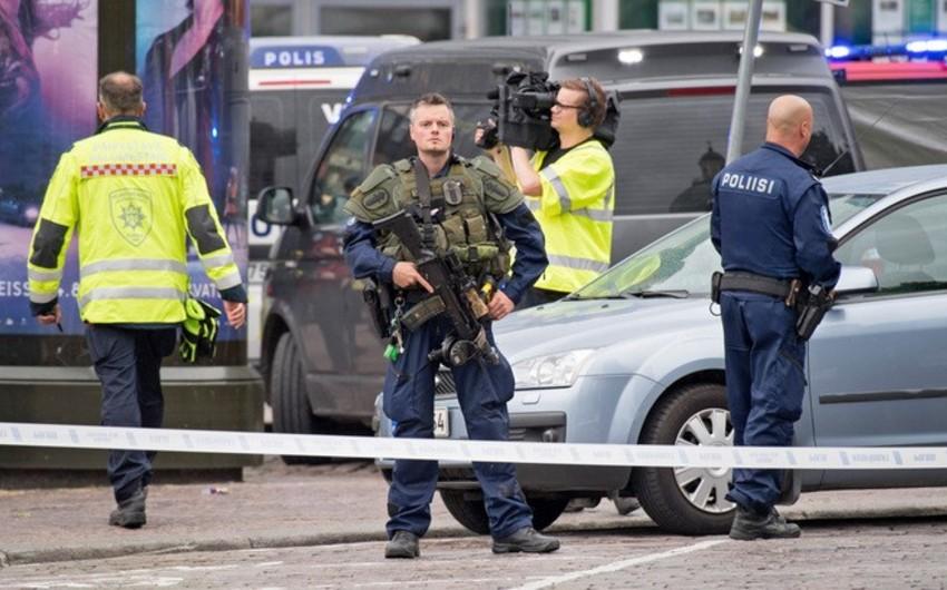 Helsinkidə kişi bıçaqla insanlara xəsarət yetirib