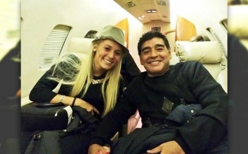 Марадона женится на бывшей футболистке