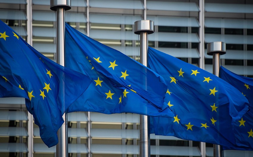 EU urges Armenia and Azerbaijan to de-escalate situation