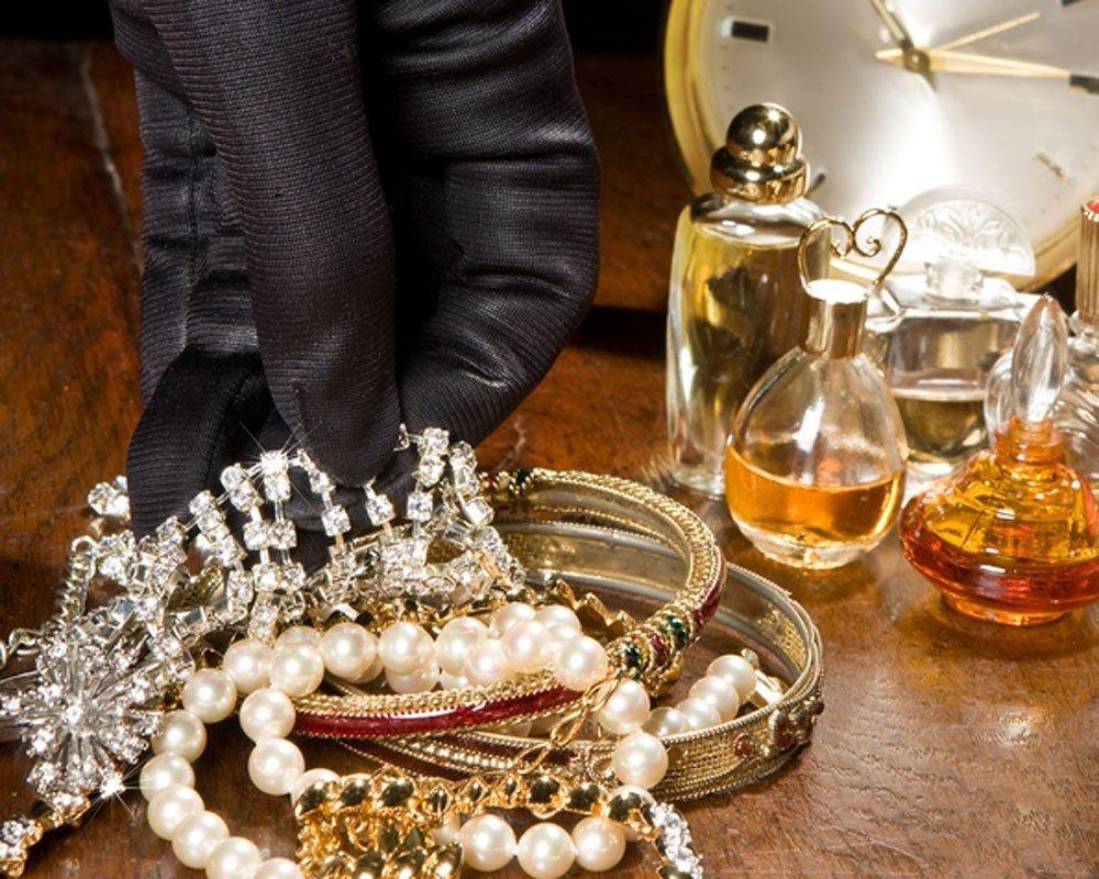 Из квартиры в Баку украдены драгоценности на сумму 50 тыс. манатов