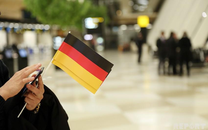 Futbol üzrə Almaniya yığması Bakıya gəlib - VİDEO