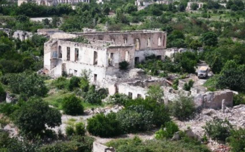 İcra başçısı: Ağdamın cəbhəyanı kəndlərində 100 yaşayış evinə ziyan dəyib