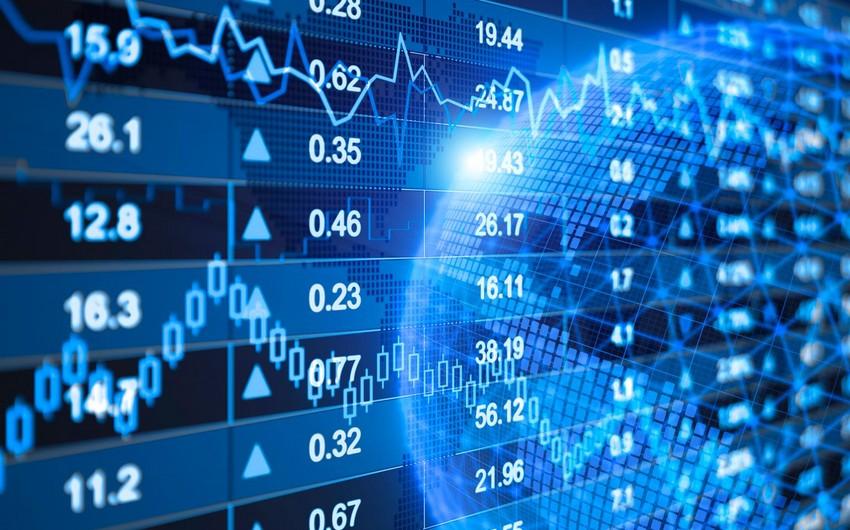 Report: Dünya iqtisadiyyatında qeyri-müəyyənliklər manatın bahalaşmasını əngəlləyir