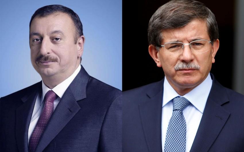 Prezident İlham Əliyev Əhməd Davudoğluna zəng edib