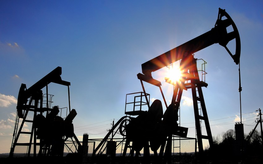 Azerbaijani oil sells at $44