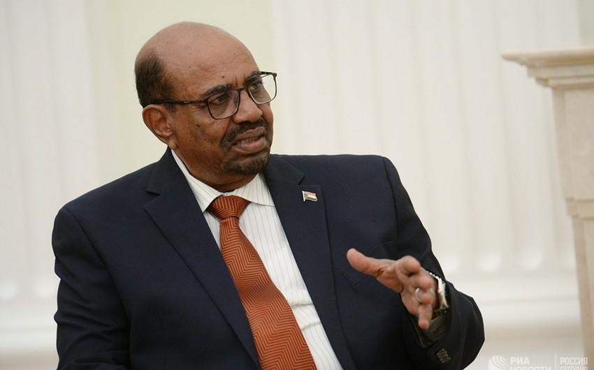 Sudan prezidenti ölkədə fövqəladə vəziyyət rejimi elan edib