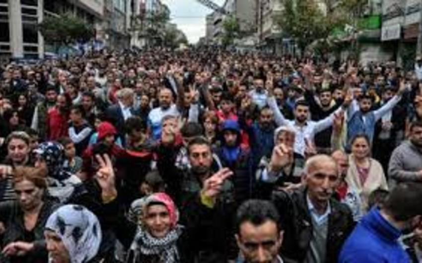 Almaniyanın Ankaradakı səfirliyinin binası qarşısında etiraz aksiyası keçirilib