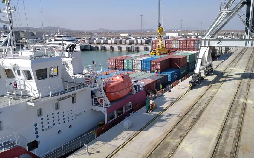 Kazakhstan's container ship arrives in Baku Port