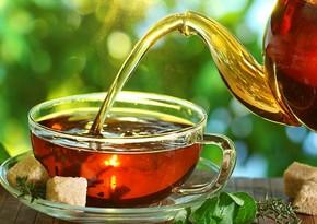 Диетолог рассказал об опасности чая с сахаром натощак