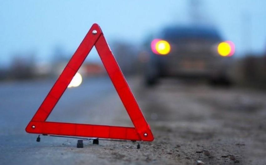 Ermənistanda hərbi maşınla minik avtomobili toqquşub, ölən və yaralananlar var