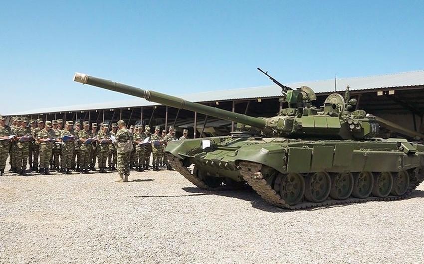 Əlahiddə Ümumqoşun Orduda taqım komandirləri ilə keçirilən komandir hazırlığı məşğələləri yekunlaşıb