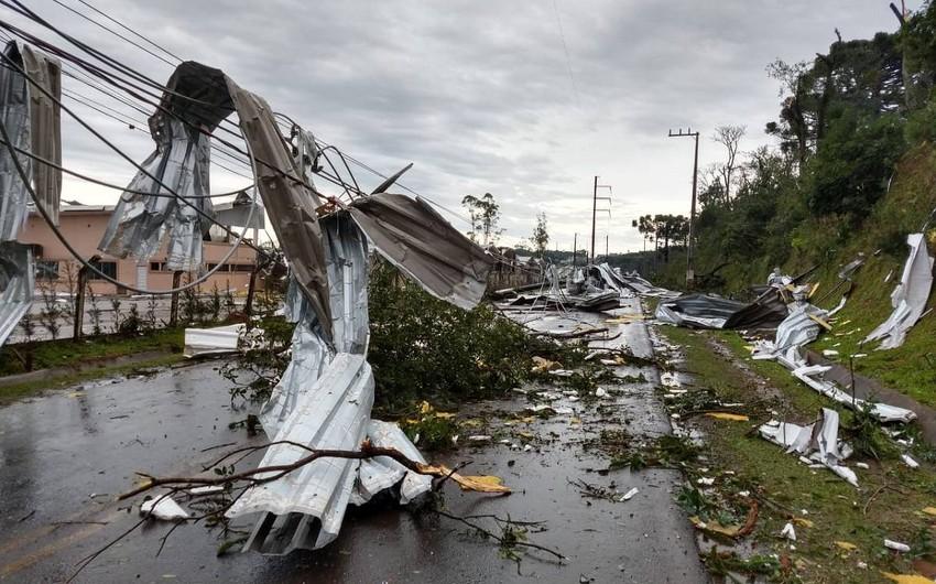 Braziliyada qasırğa nəticəsində 830 nəfər evsiz qaldı