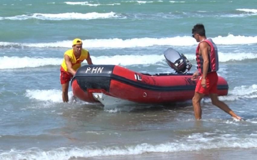 На пляже спасли 7 утопающих