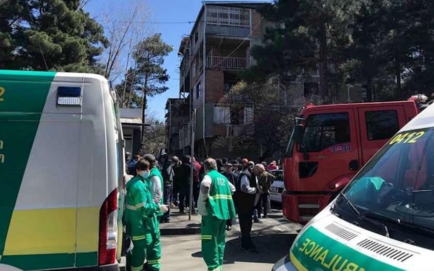 Tbilisidə yaşayış binasında baş vermiş partlayışda xəsarət alanların sayı 8 nəfərə çatıb - YENİLƏNİB