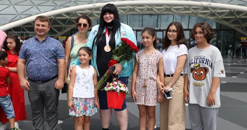 Olimpiadanın bürünc medalçısı İrina Kindzerskanın Bakıda qarşılanma mərasimi olub