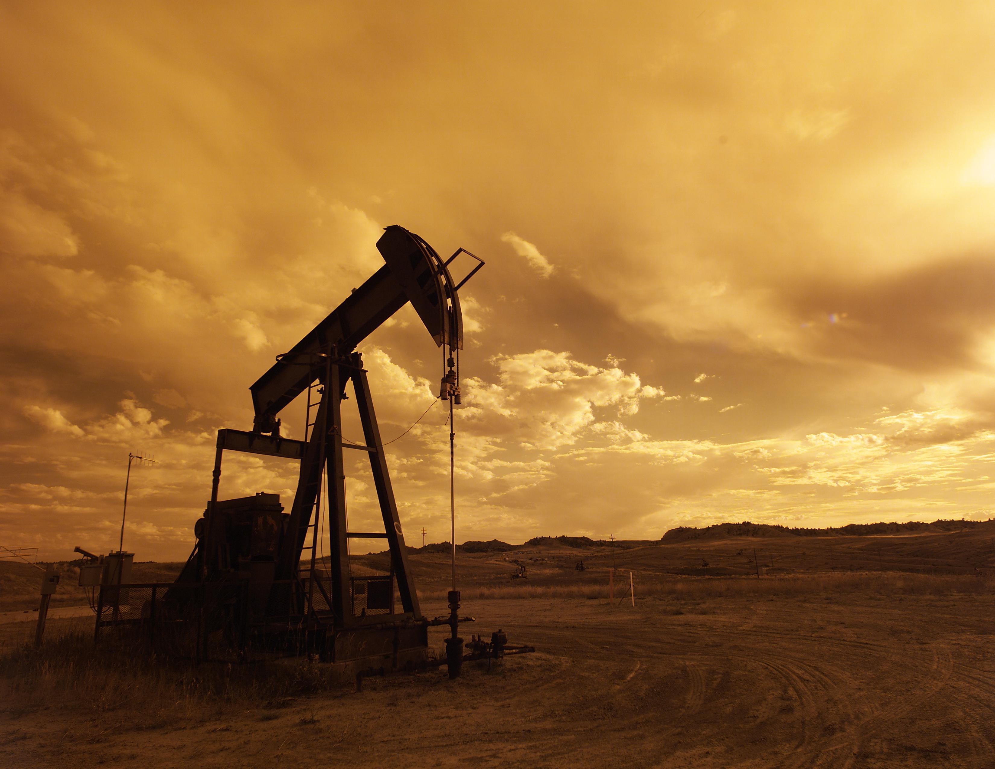 Azərbaycan nefti 1 dollara qədər ucuzlaşıb