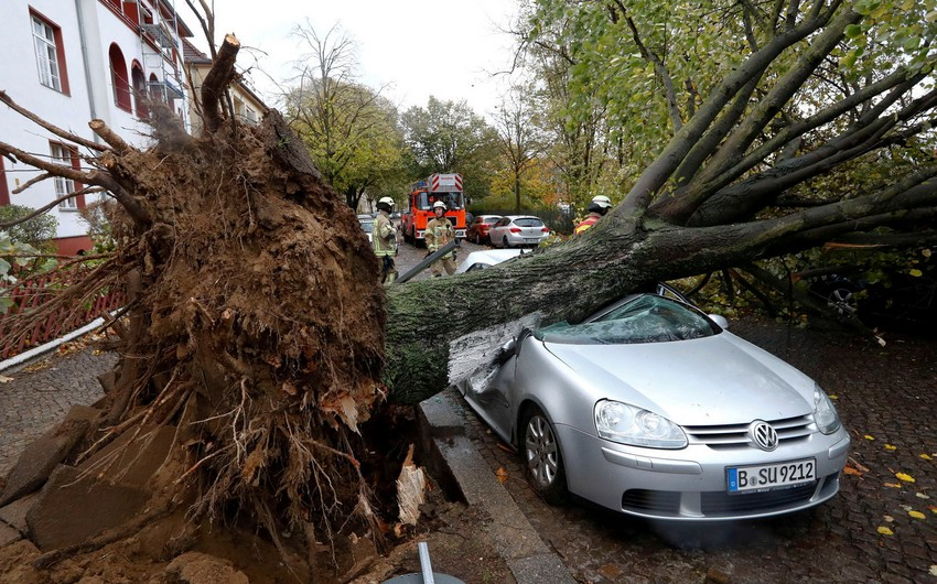 Death toll reaches 10 after winter storm hits northern Europe