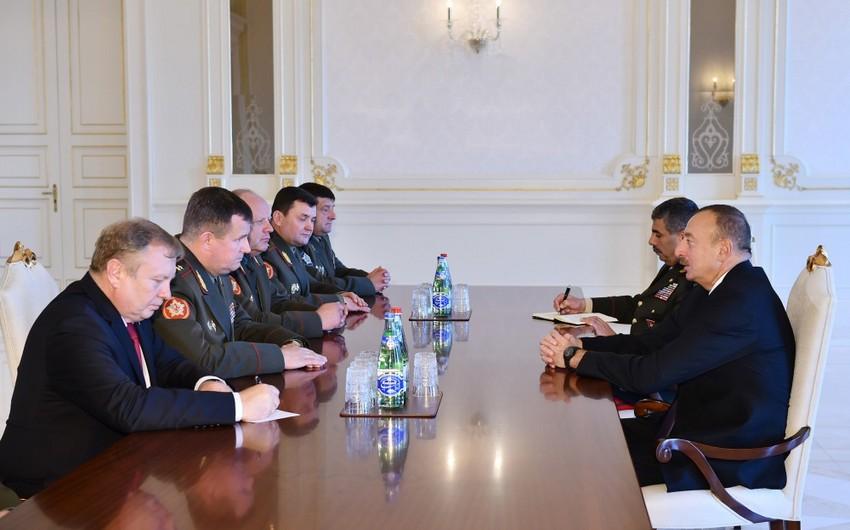 Президент Ильхам Алиев принял министра обороны Беларуси