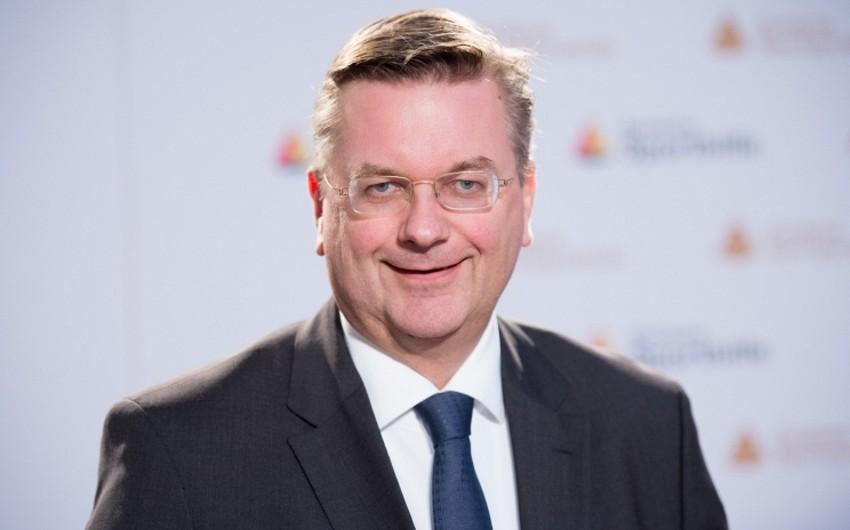Almaniya Futbol İttifaqına yeni prezident seçilib