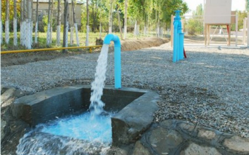 Qaxın susuz qalan Ağçay kəndinə yeni su xətti çəkilib