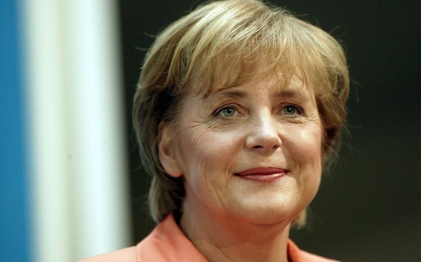 Angela Merkel: Müsəlmanlar Almaniyanın bərabərhüquqlu vətəndaşlarıdır
